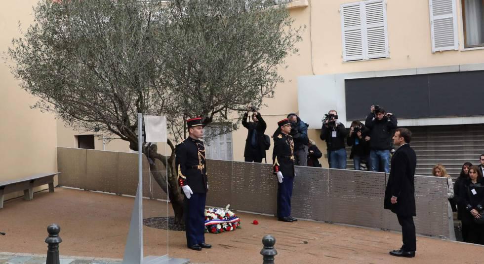 El presidente Macron homenajea en Ajaccio (Córcega) al prefecto Érignac, asesinado hace 20 años