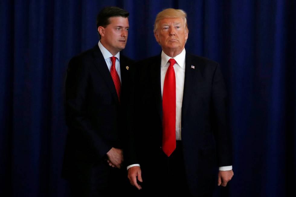 Rob Porter junto a Donald Trump, el pasado agosto