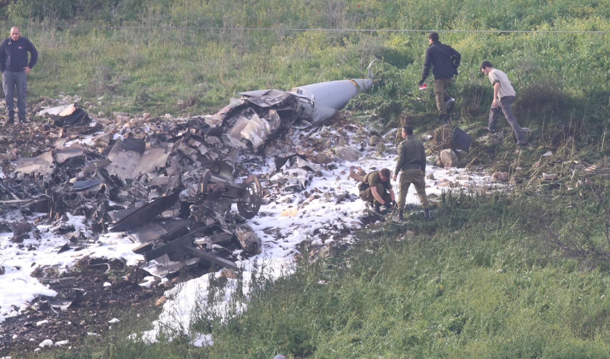 Israel - Israel en el conflicto en Siria - Página 10 1518245033_988046_1518245182_noticia_normal_recorte1