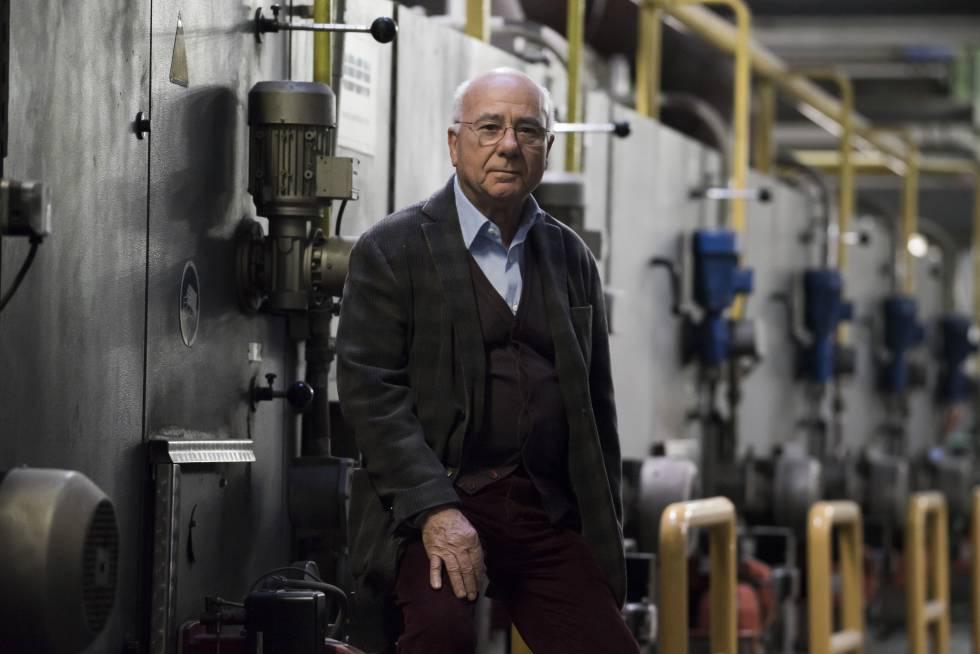 Ivo Vignali, histórico empresario del textil de Prato especializado en terciopelo de alta calidad.