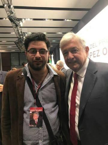 Montoya con López Obrador en un mitin.