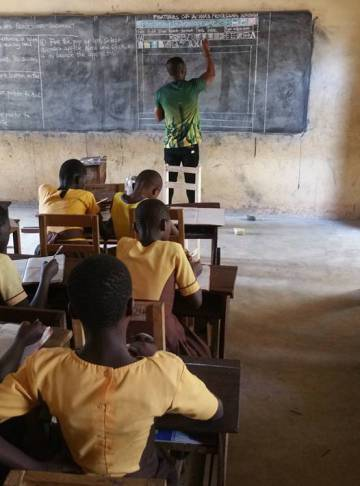 Los alumnos de Owura Kwadwo, durante su clase.