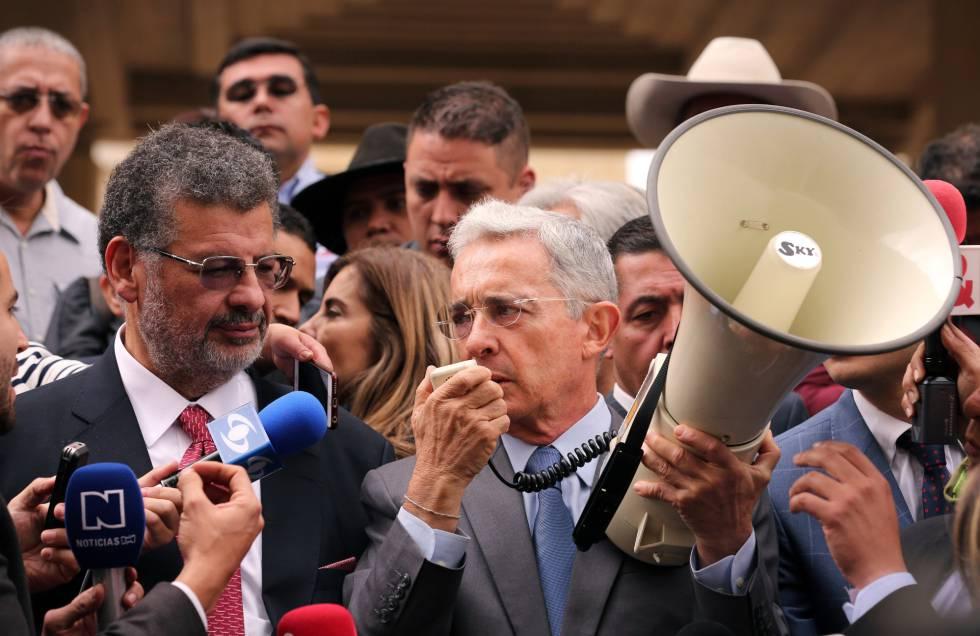 La batalla entre el uribismo y la izquierda domina la campaña electoral en  Colombia c78f5fd4fef