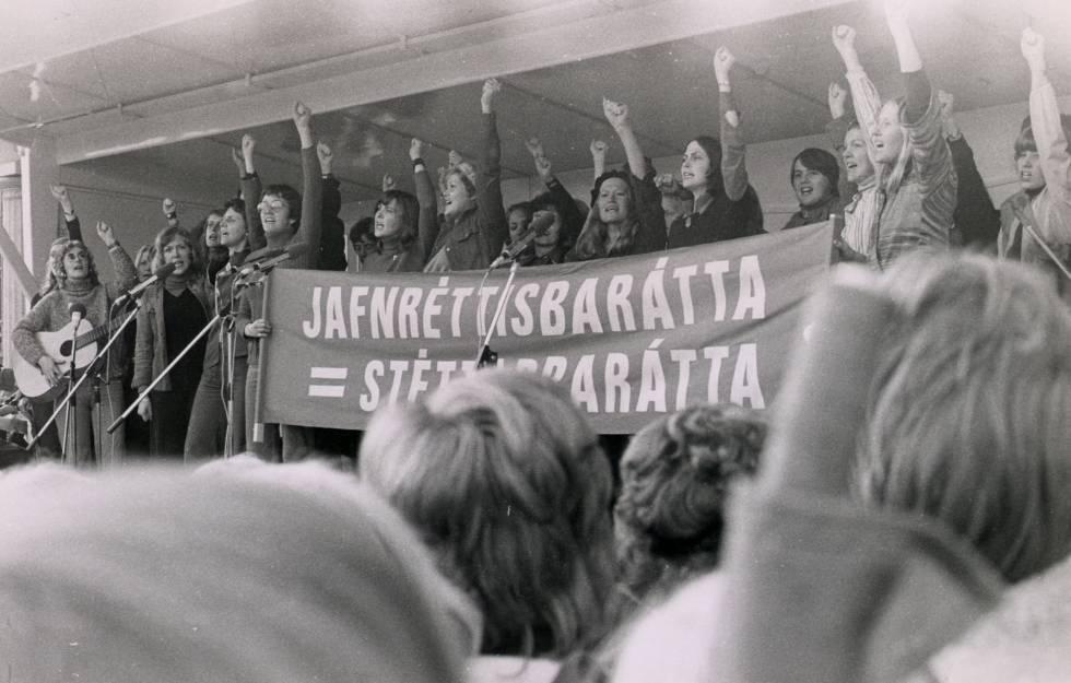 Manifestación feminista durante el 'día libre de las mujeres' el 24 de octubre de 1975 en Reikiavik (Islandia).