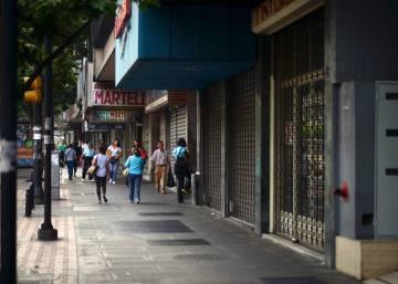 Los negocios de Caracas bajan las rejas