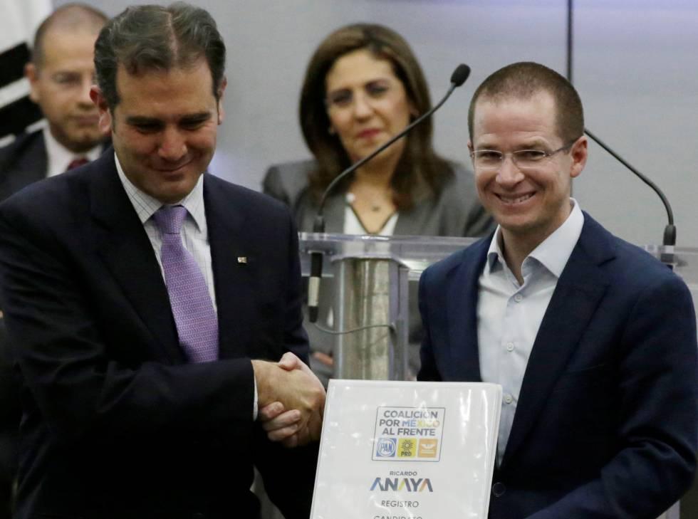 Ricardo Anaya durante su registro como candidato.