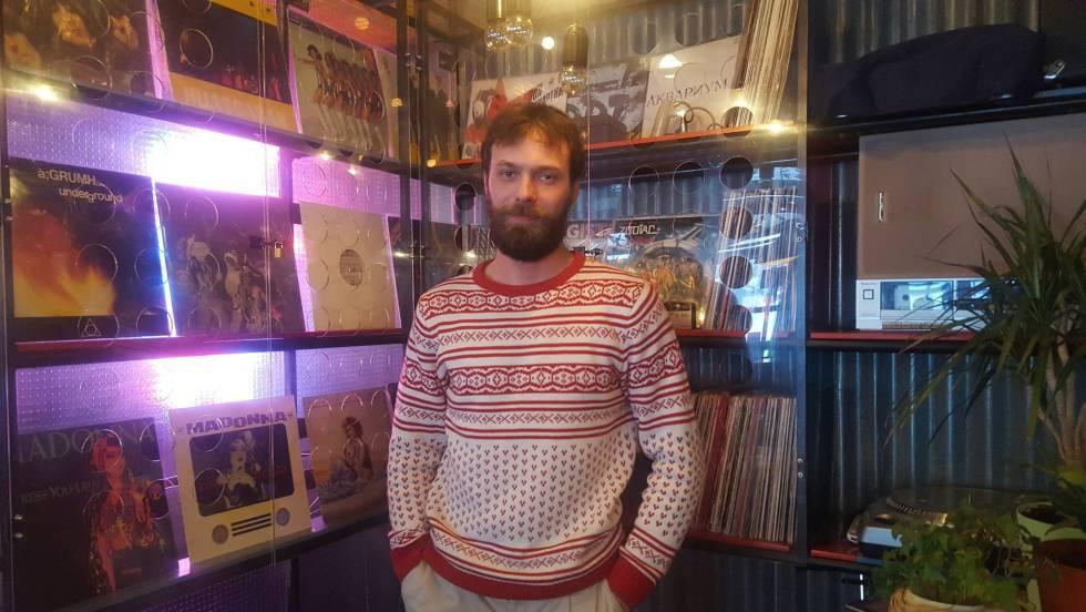 Mijáill Seleznev, emprendedor y rapero, de 24 años, en un local de Nizhni Novgorod el viernes.