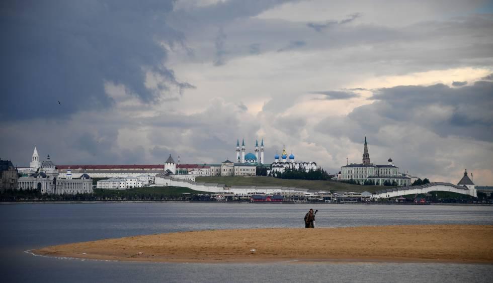 Vista del río Volga a su paso por la localidad rusa de Kazán, en junio de 2017.