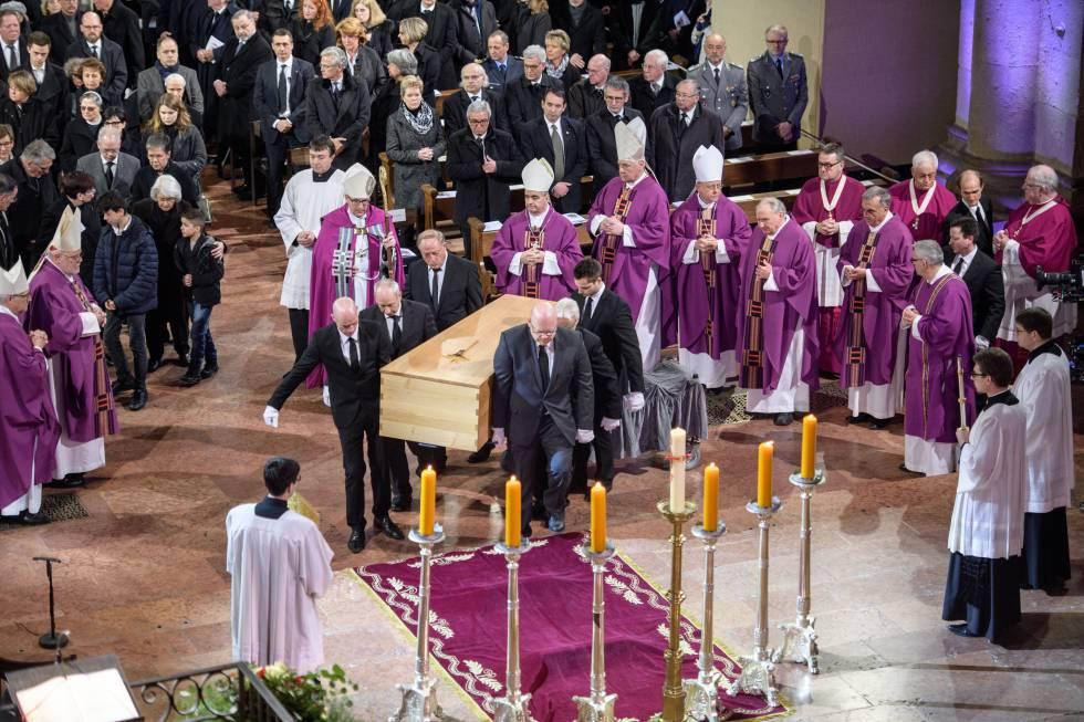 El funeral en honor al cardenal Karl Lehmann en la catedral de Maguncia este miércoles 21 de marzo 2018.