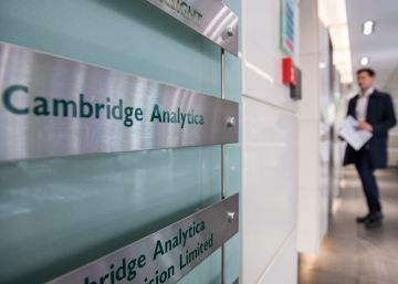 Cambridge Analytica, empresa pivô no escândalo do Facebook, é fechada