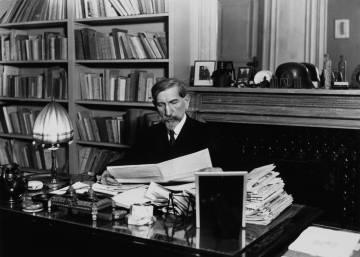 Francia retira al escritor antisemita Charles Maurras de la lista de conmemoraciones en 2018