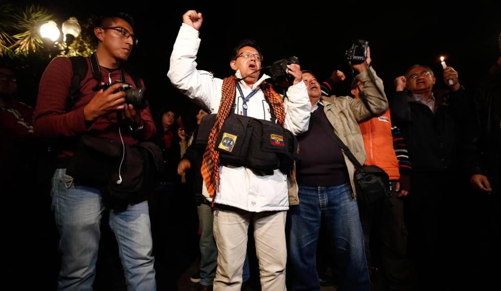 Una manifestación en Quito para exigir la liberación del equipo periodístico secuestrado.