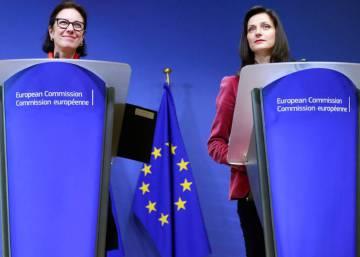 La Comisión Europea renuncia a la legislación contra las noticias falsas