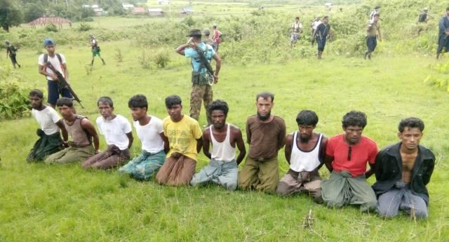 Los diez aldeanos asesinados en la única matanza que ha admitido el Ejército birmano.