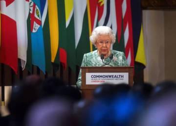 Isabel II pide a la Commonwealth que elija al príncipe Carlos como su sucesor al frente de la organización