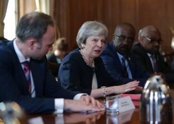 May pide perdón a 12 países caribeños por el trato a sus ciudadanos que emigraron a Reino Unido