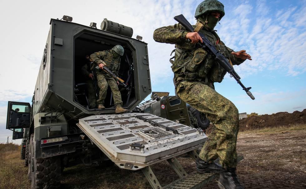 Ejercicio militar de fuerzas especiales rusas.