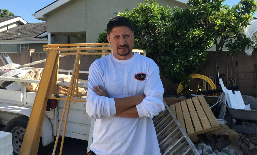 Toni García, constructor mexicano, el jueves en Los Alamitos.