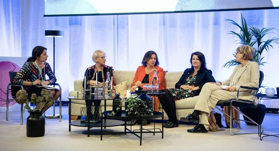 Desde la izquierda, Mia Odabas, moderadora; Margot Wallström, ministra de Exteriores; Isabella Lövin, ministra de Desarrollo y Cooperación; Ann Linde, ministra de Asuntos Europeos, y Annika Rembe, del Instituto Sueco, en el Foro de Igualdad de Género en Estocolmo.