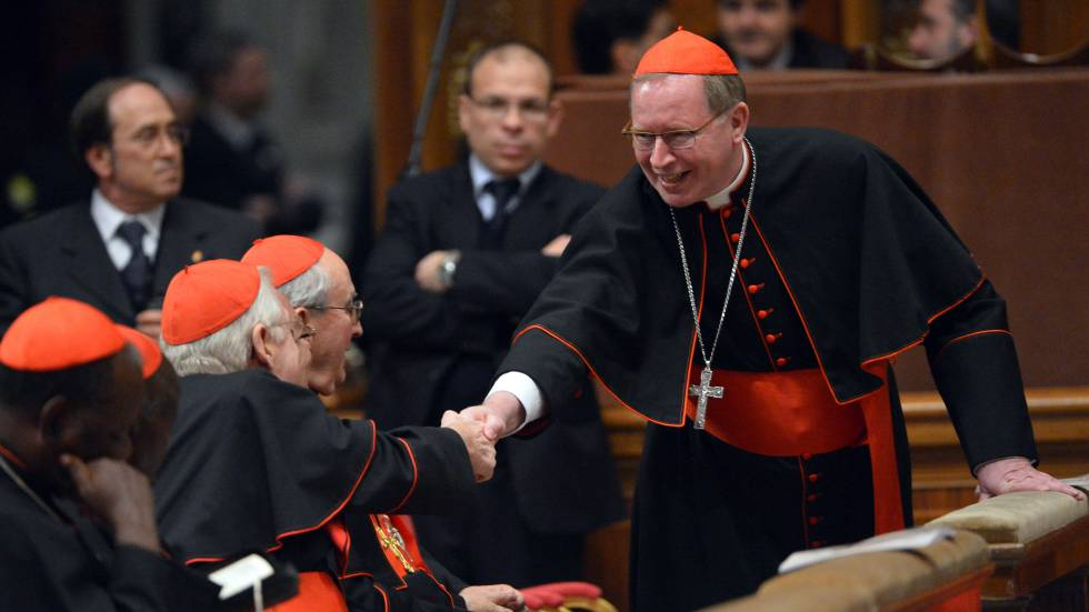 El cardenal Willem Jacobus Eijk en el Vaticano en 2013.