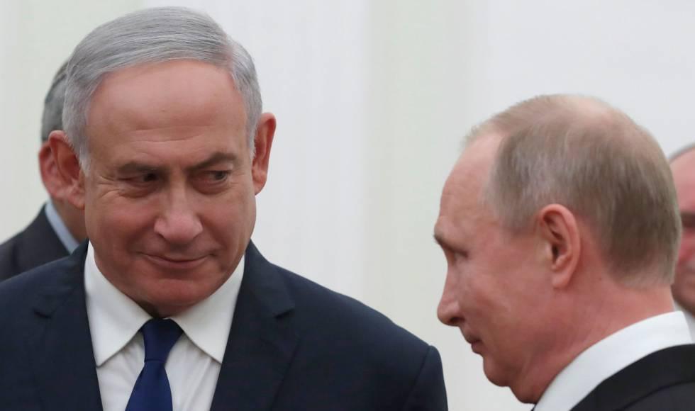 El presidente ruso, Vladímir Putin, junto al primer ministro de Israel , Benjamin Netanyahu, este miércoles en Moscú.
