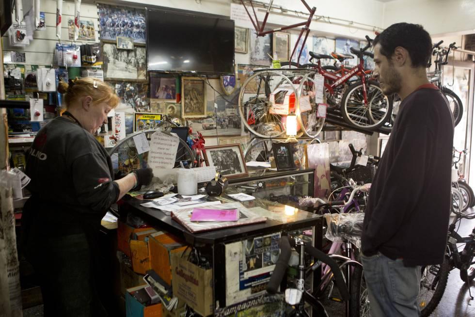 La tienda y taller de reparaciones Rodados Busato, en Buenos Aires.