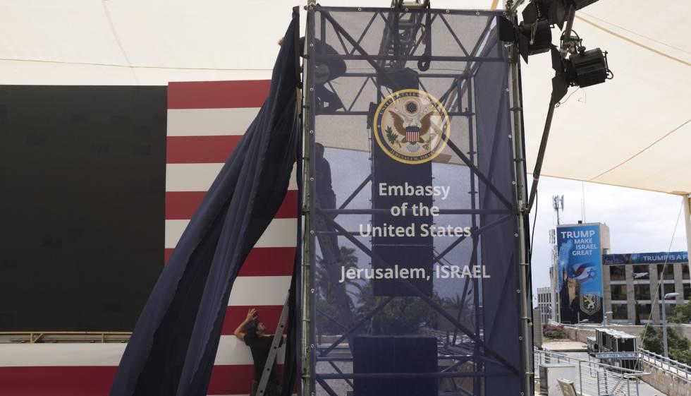 Preparativos para la ceremonia de apertura de la Embajada de EE UU en Jerusalén.
