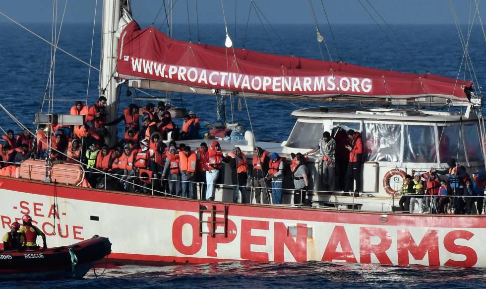 Migrantes rescatados la semana pasada por el 'Astral' de Proactiva Open Arms.