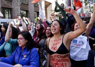 Una violación en grupo conmociona Chile