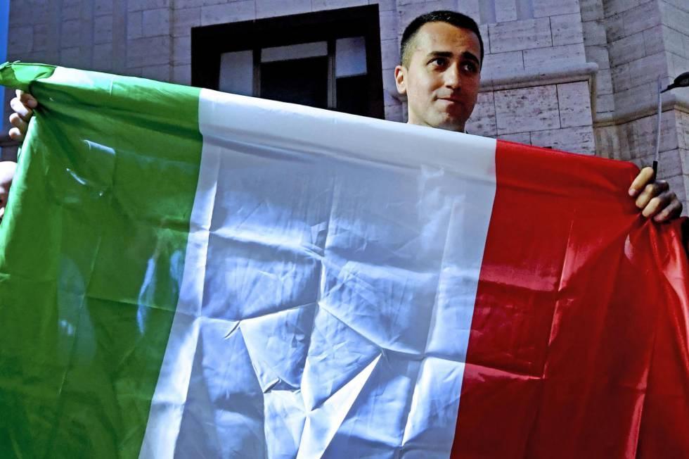 Luigi Di Maio, el martes por la noche en una manifestación en Nápoles.