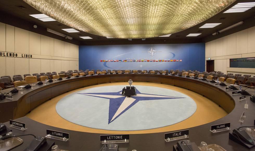 Imagen de las antiguas instalaciones de la OTAN. En esta sala, catalogada como clasificada, se reunían los miembros de la OTAN para tomar decisiones importantes.