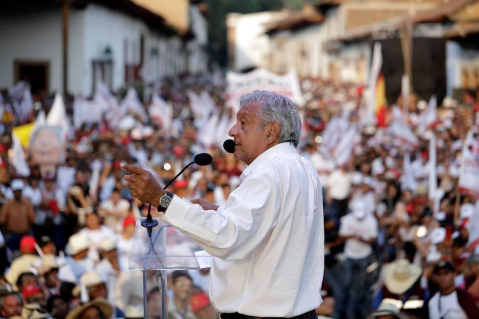 López Obrador, en un mitin en Michoacán.