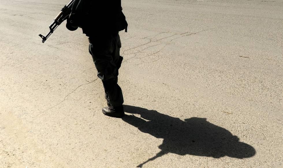 Resultat d'imatges de Un suicida ataca una reunión de clérigos islámicos pacifistas en Kabul