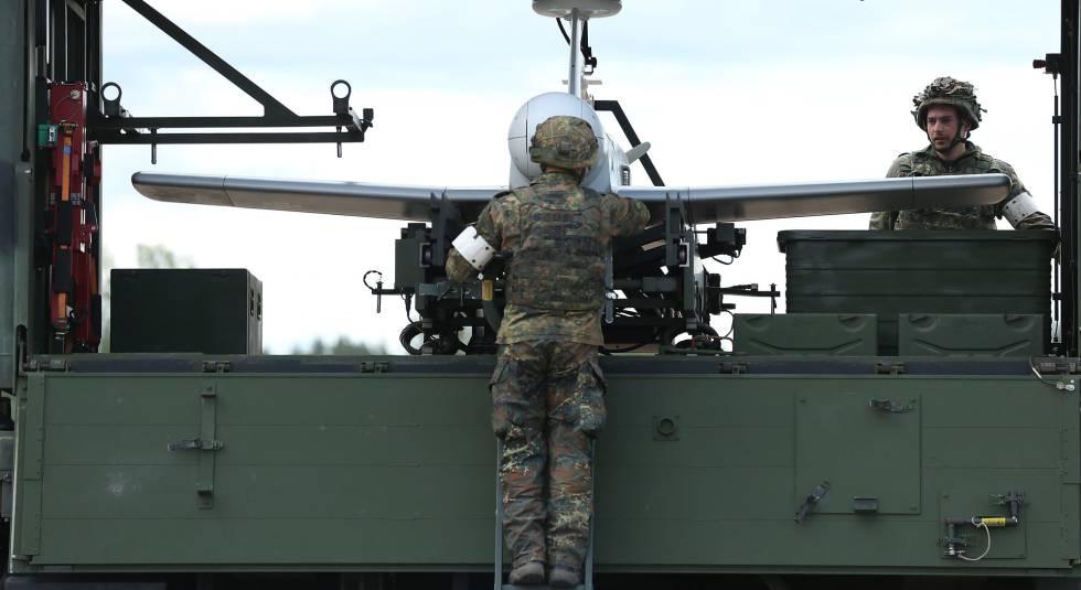 Soldados alemanes participan en el ejercicio militar de la OTAN Thunder Storm (Tormenta de Trueno), el pasado 7 de junio en Pabrade (Lituania).