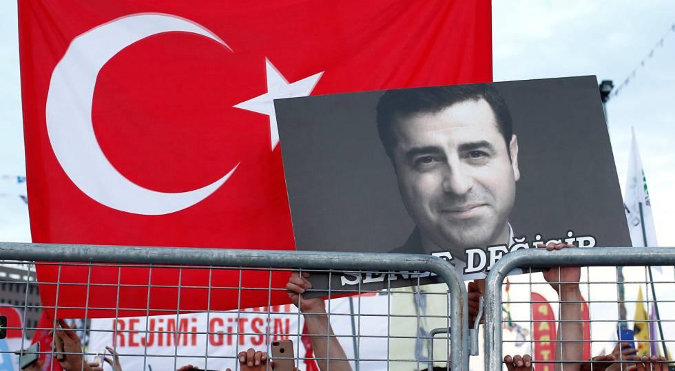 Kurdistán Norte [Turquía]: Represión, situaciones y conflictos. - Página 7 1529162777_575603_1529314686_sumario_normal