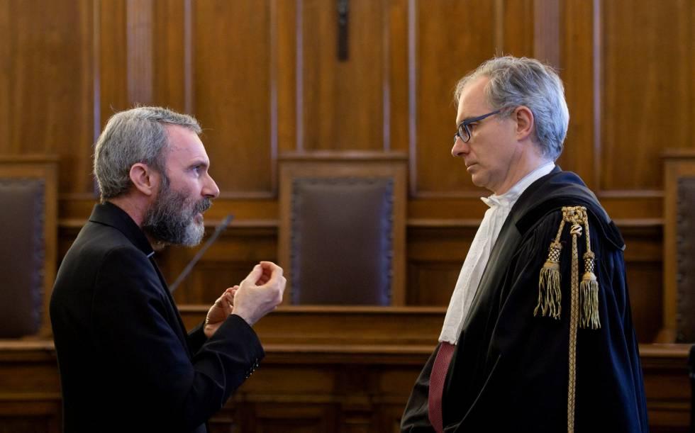El sacerdote Carlo Alberto Capella, sentenciado a cinco años de prisión.