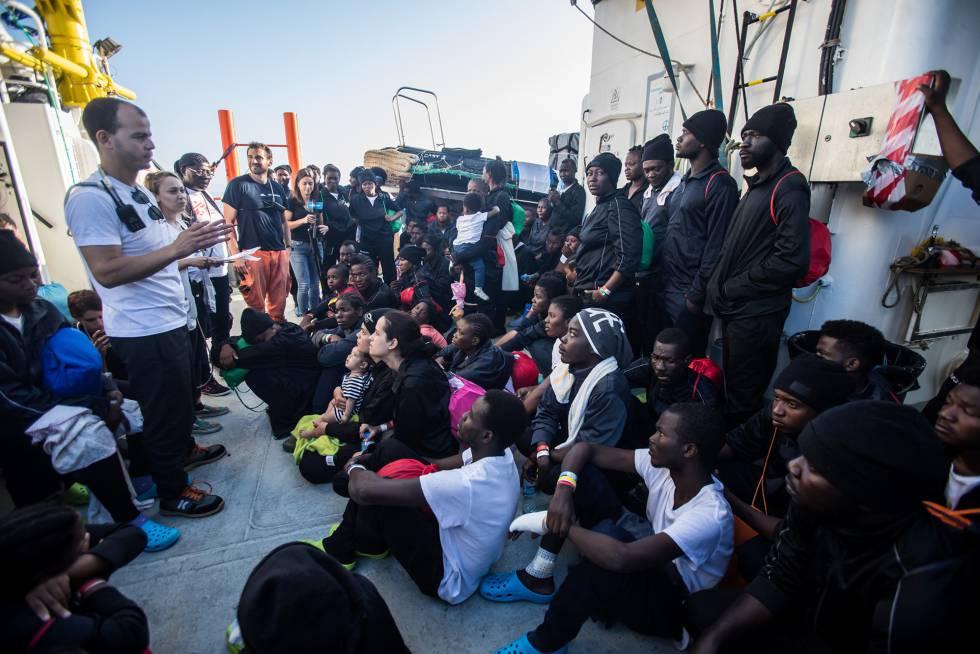 El Aquarius llega a Valencia el día 17 para desembarcar a los migrantes rescatados.