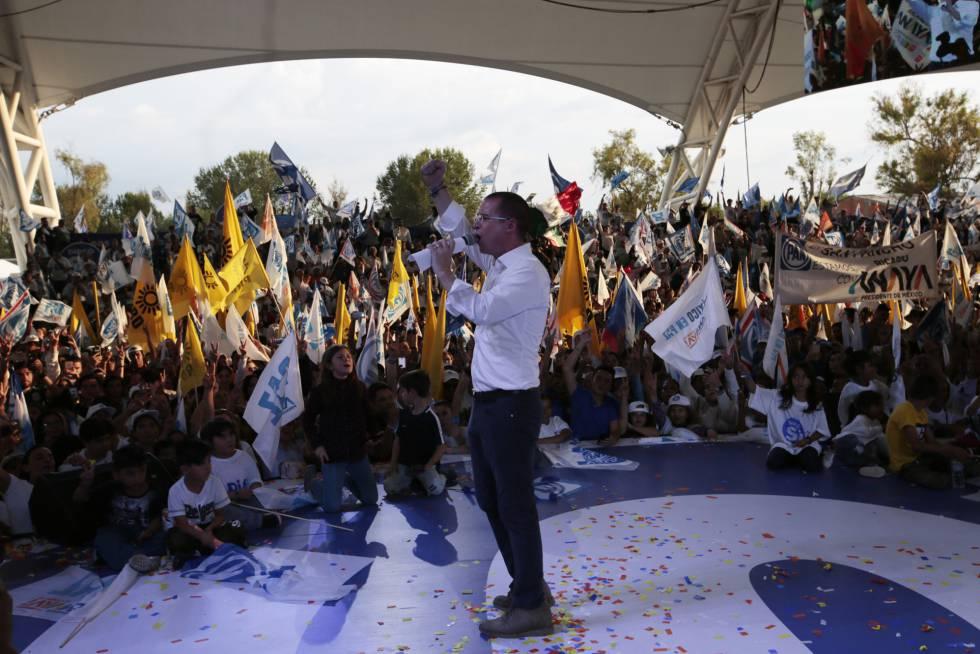 El candidato de Por México al Frente, Ricardo Anaya, durante el cierre de campaña.