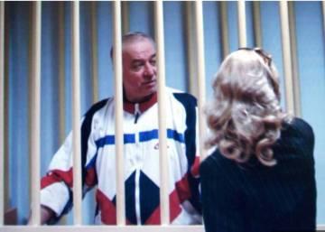 Un exespía ruso, en estado crítico tras verse expuesto en Inglaterra a una sustancia desconocida