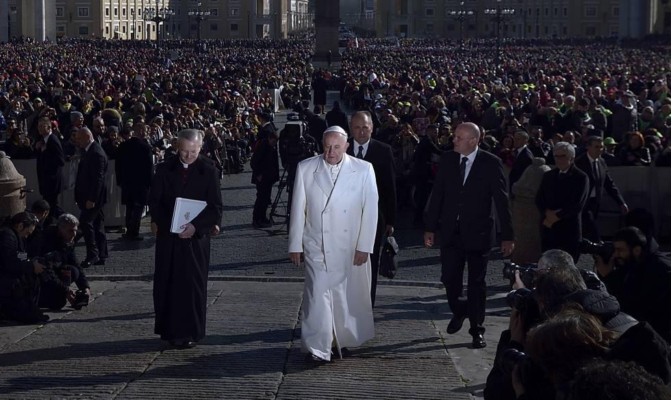 O papa Francisco na praça de São Pedro, em fevereiro de 2016.