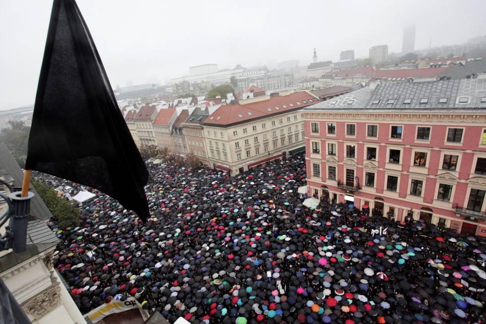 Manifestación del 'lunes negro' en Varsovia, en octubre de 2016.