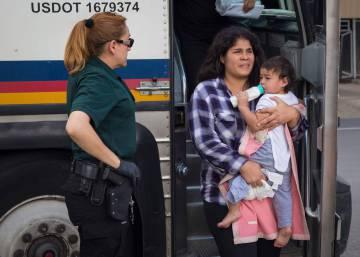 EE UU acelera la reunificación de familias migrantes