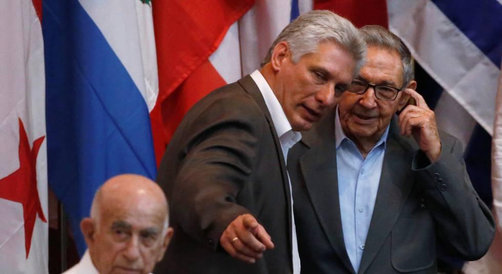 Miguel Díaz-Canel e Raúl Castro, presidente e ex-presidente de Cuba.