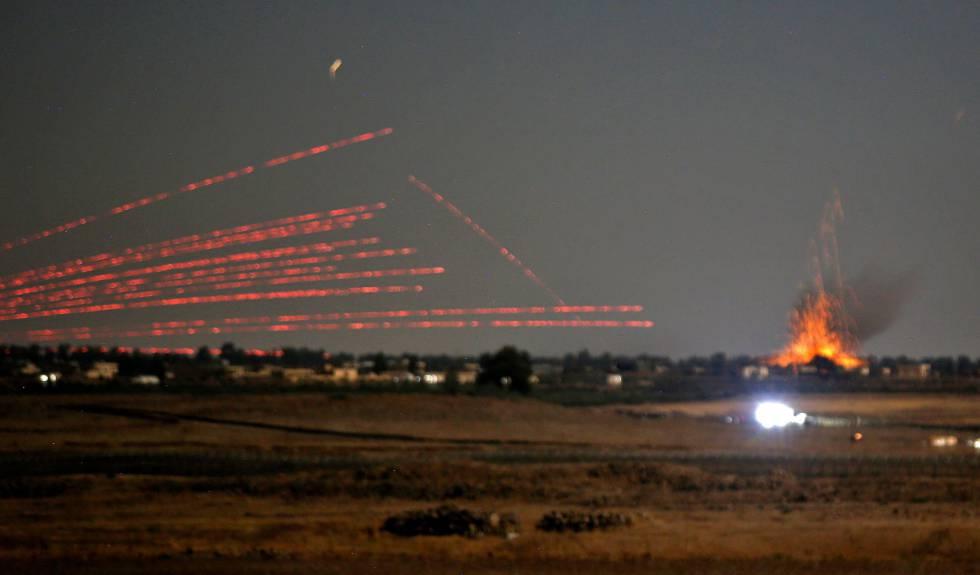 Una explosión el lunes vista desde los Altos del Golán.rn