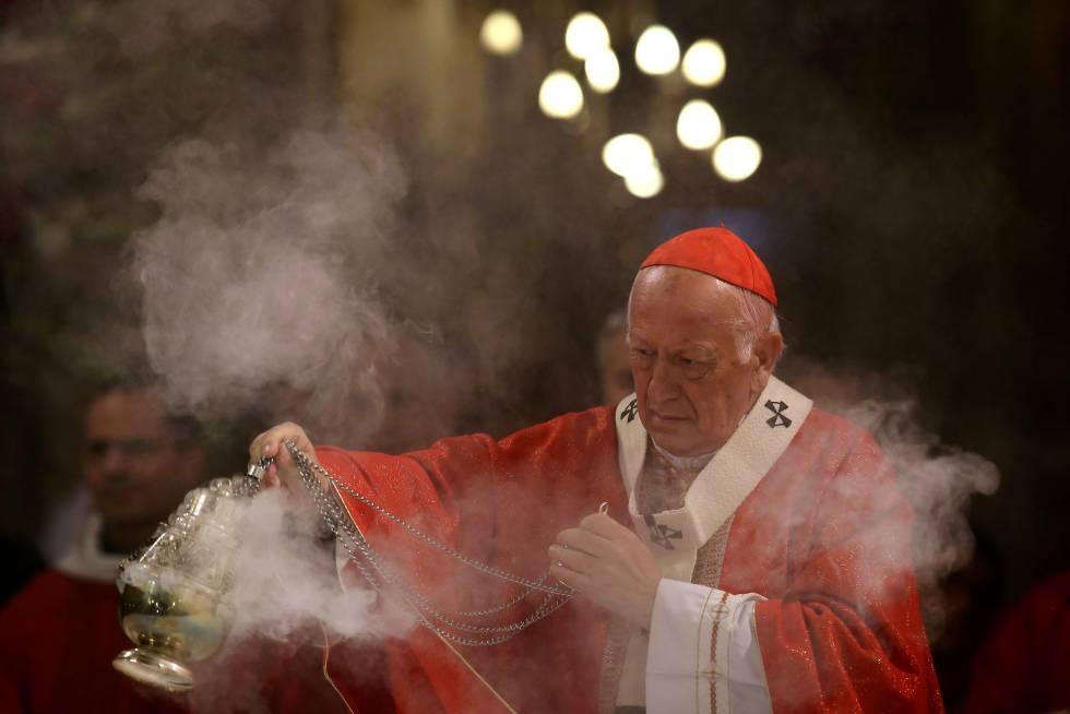 El cardenal Ricardo Ezzati en una misa en mayo de 2018