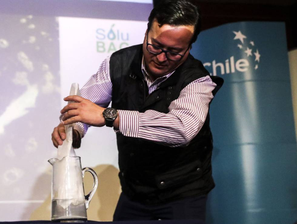 Biodegradable plastic bags: Chileans create water-soluble