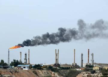 Irán amaga con interrumpir el suministro de petróleo de sus vecinos si se le impide exportar