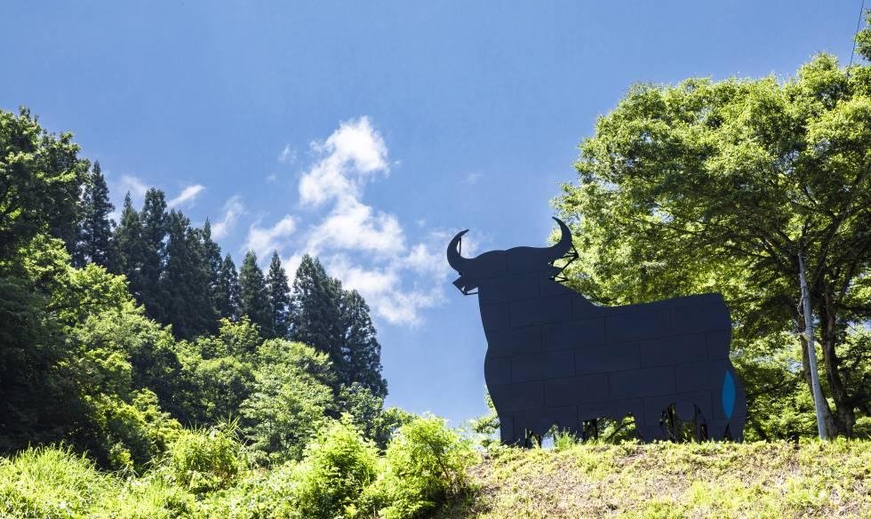 'Black symbol', de Santiago Sierra.