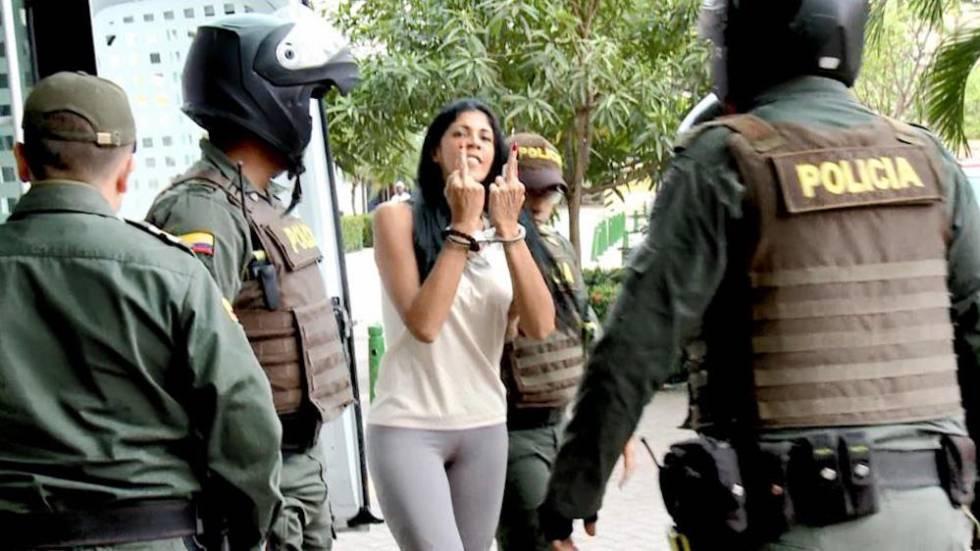 El momento en que 'Madame', acusada de ser la mayor proxeneta de Cartagena, entra al juzgado.