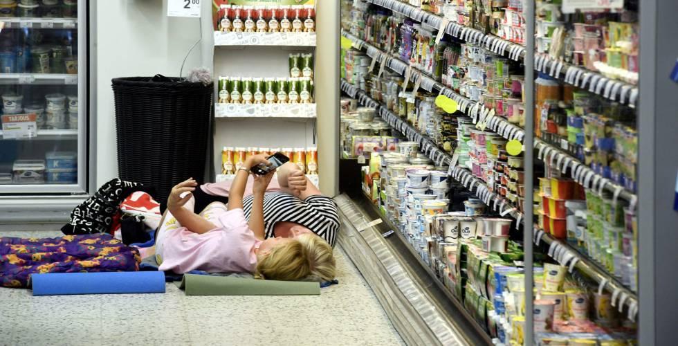 dormir en el supermercado para combatir la ola de calor blog mundo